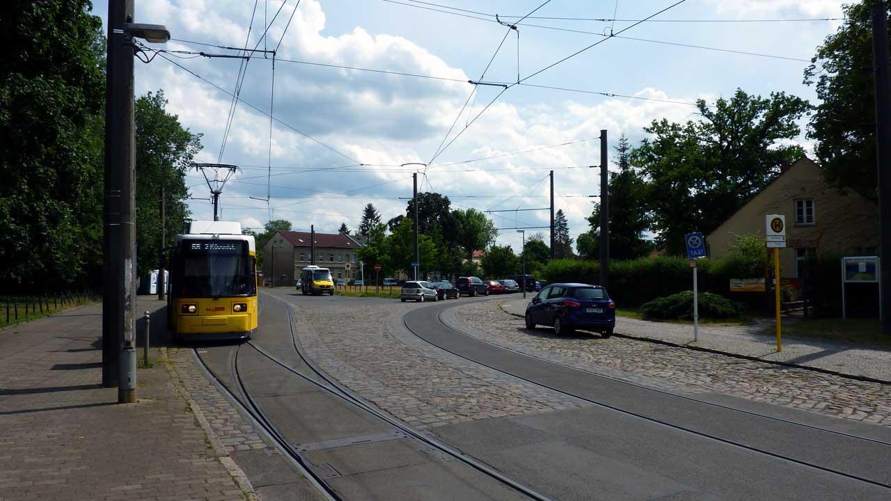 Bootsvermietung Spreeperle Berlin - Tram 68