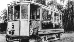 Uferbahn historische Ansicht: Heckansicht des Benzoltriebwagens 2, 1912