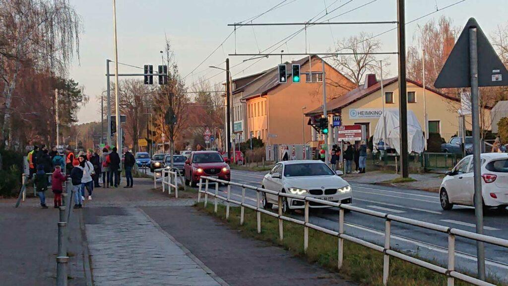 Neue Ampel vor der Inselschule Alt-Schmöckwitz