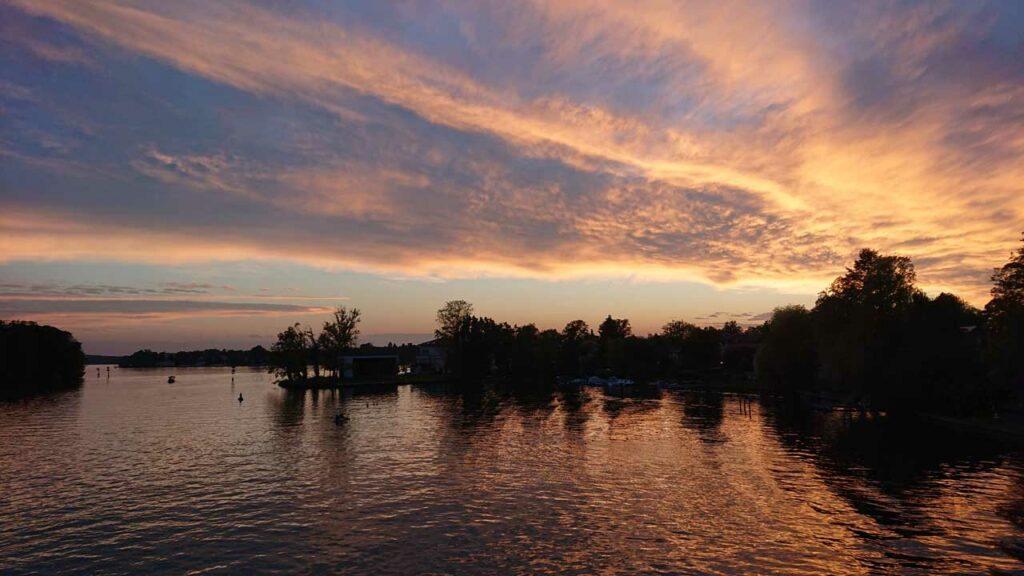 Goldener Herbst: Sonnenuntergang über Schmöckwitz