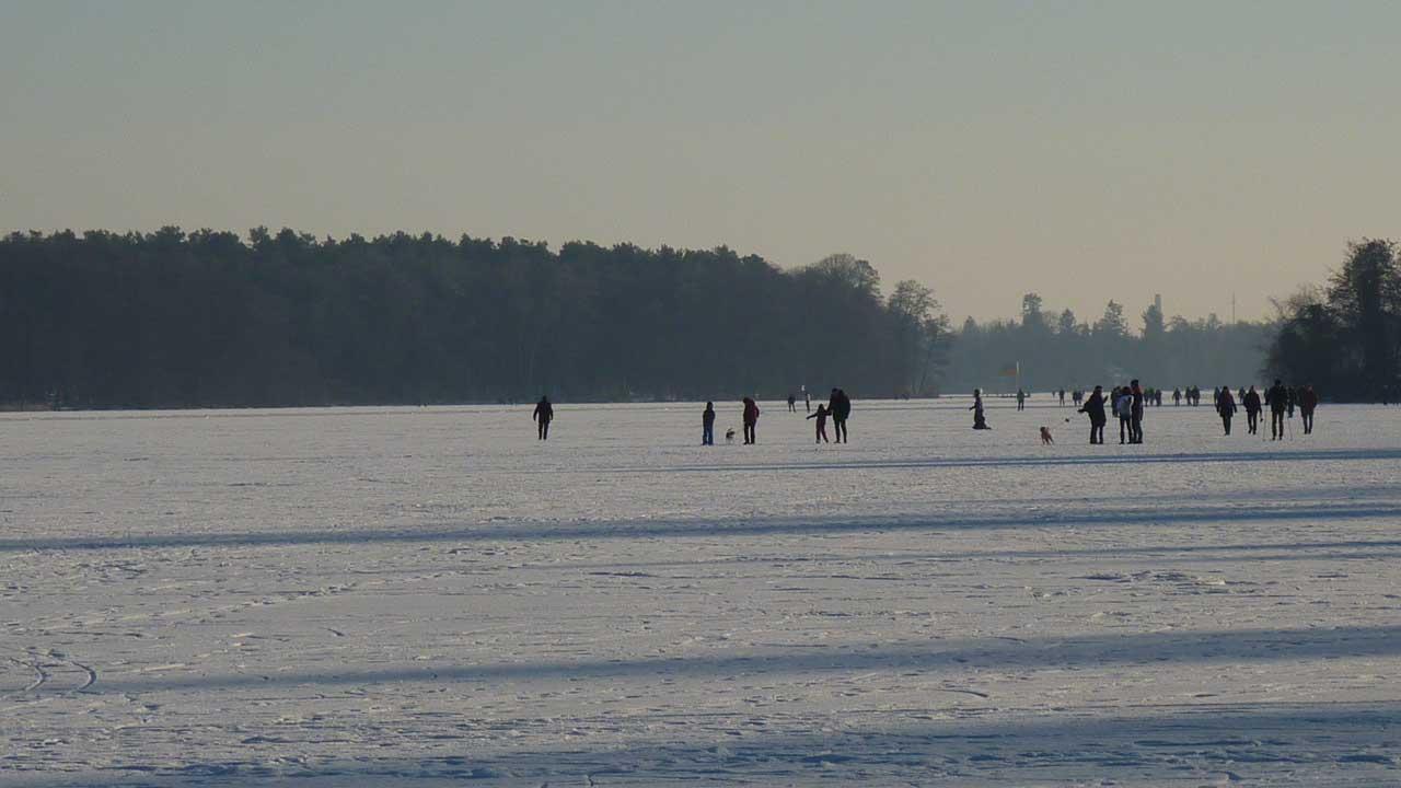 Hochbetrieb auf dem Eis